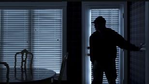 Cambriolages: Simuler Une Presence- Renforcer La Sécurite De La Maison