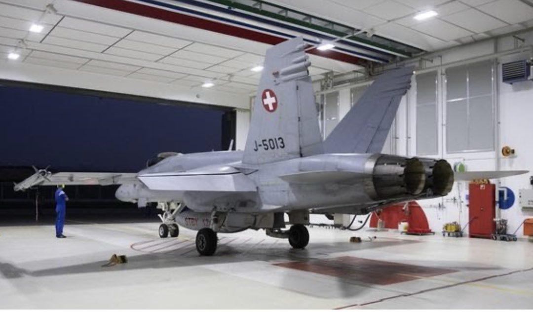Les partisans des avions de combat lancent leur campagne